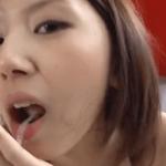 ザーメン歯磨きもこなす美少女の食ザー動画