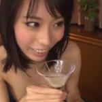 くびれ神ボディの美少女ごっくん動画